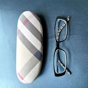 Burberry glasses incl case